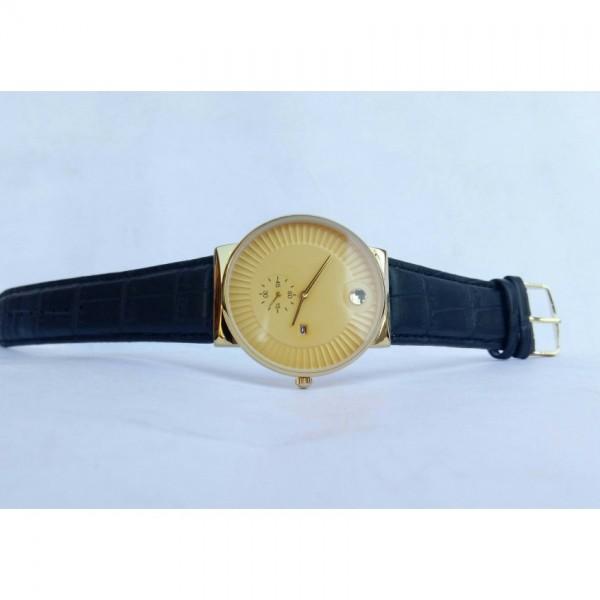Elegant strap watch for men