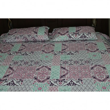 Geometrical Design Bed Sheet With 2 Pillow Covers
