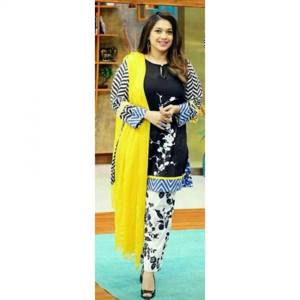FANCY LUXURY HEAVY LAWN EMBROIDERED COLLECTION 2018 in black and yellow combination