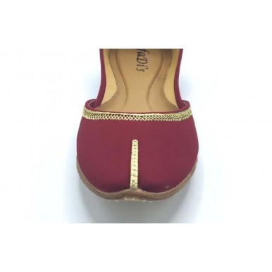 Maroon and Gold Khussa