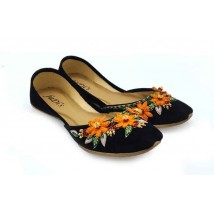 Beautilful black khussa with flowers embroidery