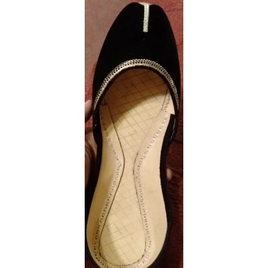Black and Gold Traditional khussa