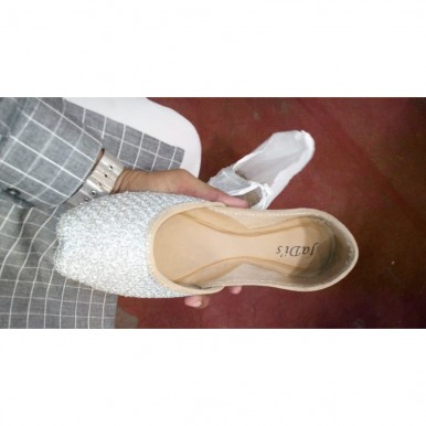 Elegant White khussa for Ladies