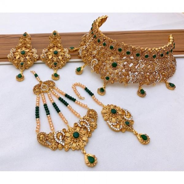 Beautiful Golden Bridal Set with Stones