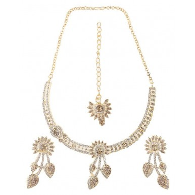 Gold plated stylish Jewellery Set with tikka and earrings