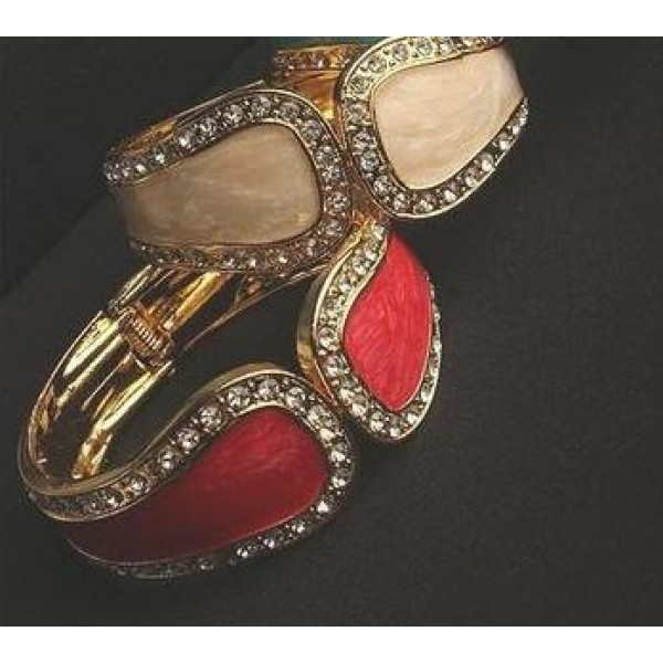 Elegant Luxury Personalized Metal Opening Rhinestone Bangle For Her A1200