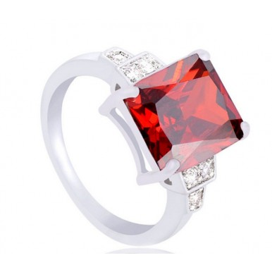 Starling silver Brilliant Cubic Zirconia Party Ring