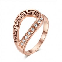 Classic Retro Pattern 18K Rose Gold Plated Ring Genuine Crystals Ring For Her