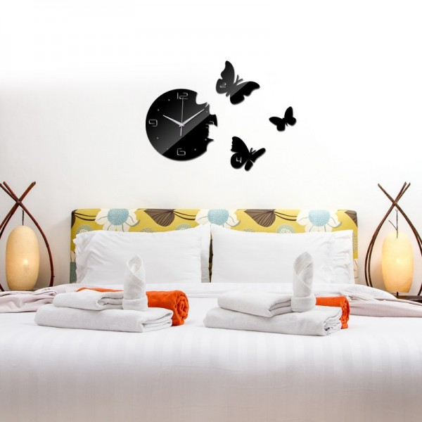 3 Butterfly Quartz wall clock in black color