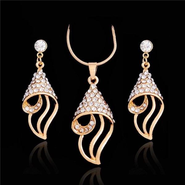 Elegant Gold Plated Austrian Crystal Rhinestone Pendant Set for Her