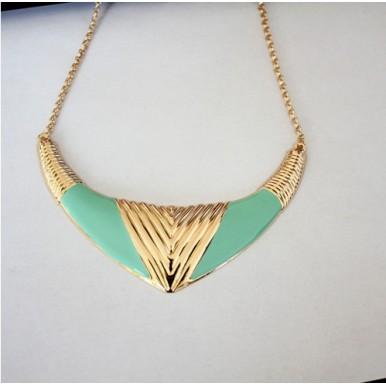 Stylish Ladies Jewellery - Gold Fashion Necklace