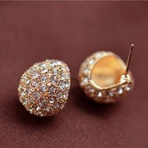 Gold Cresent Stud Earring Ladies Jewellery – AE48