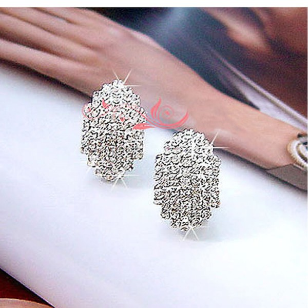 Silver Stud Earrings With Glowing Stones – AE52