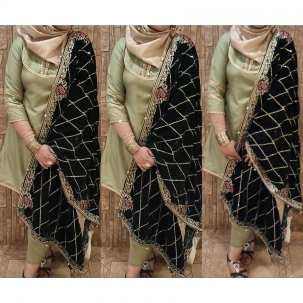 Black Jaal Style Velvet Shawl for Ladies