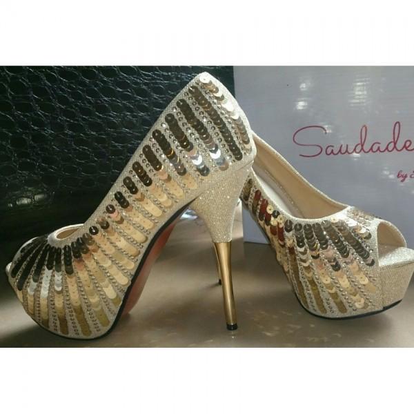 Women Golden sequins heel