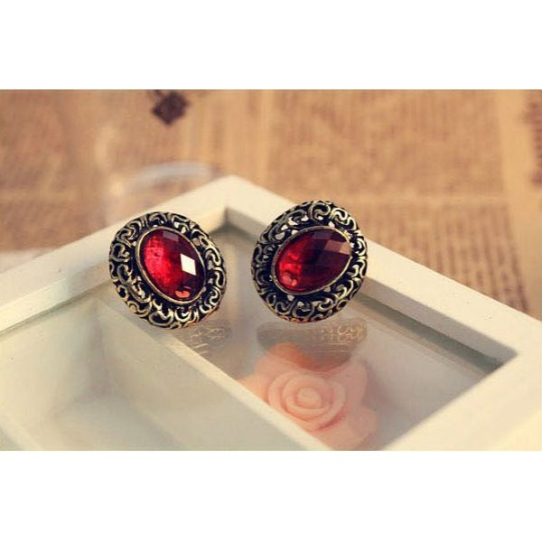 Red Stone Oval Carved Pattern Ear Studs