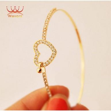 Elegant Gold Love Heart Bangle For Her A1