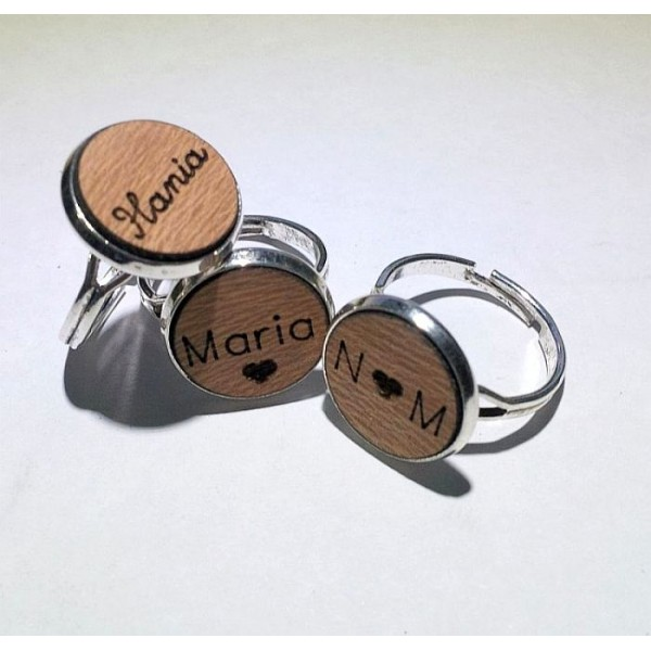 Personalized Name wooden Plate in Metal Rings