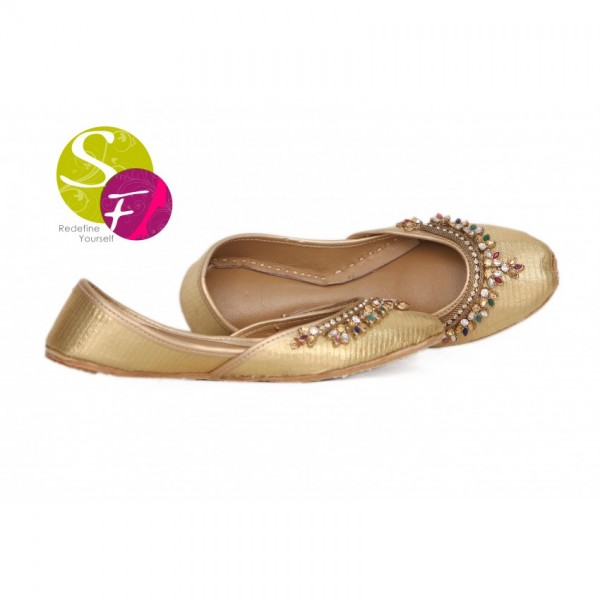 Golden Khussa With Broach Le-08