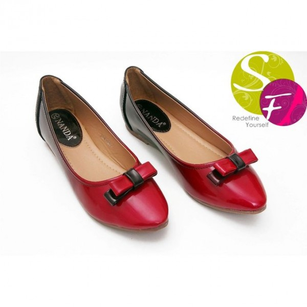Ladies Pumps In Red Colour