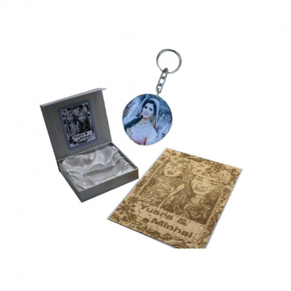 Gift Set of Customized Puzzle picture frame and Picture Wooden Keychain