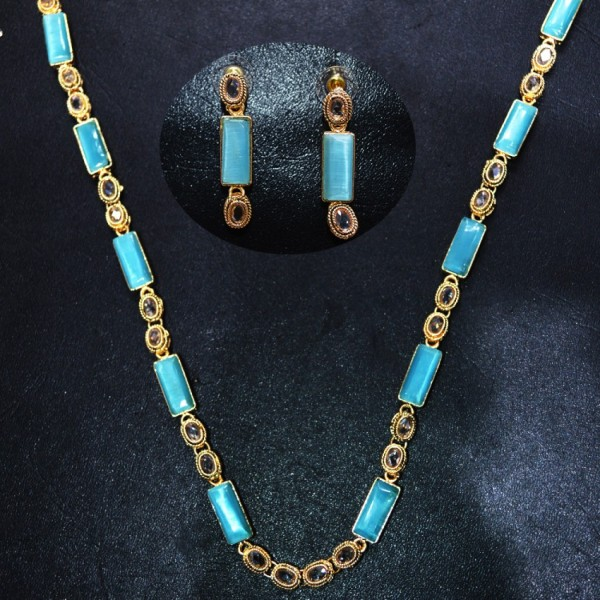 Astonishing Necklace Set with Earrings for Her